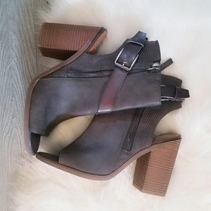 Shoes - Peep Toe Grey Taupe Suede Ankle Boots 11 Shoes